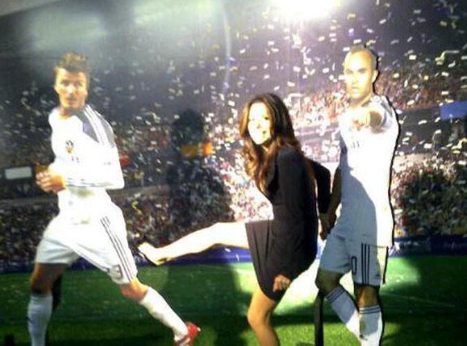 Eva Longoria botte les fesses de David Beckham et cajole la petite Harper Seven !