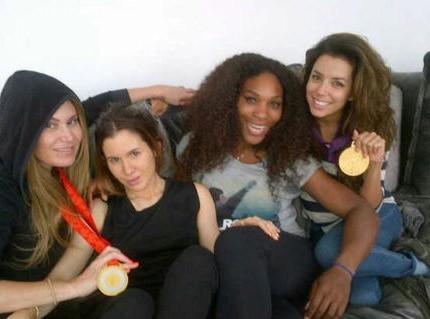 Eva Longoria : sans maquillage, mais avec une médaille d'or !