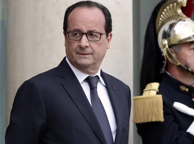"""François Hollande : ses nouvelles lunettes pas """"made in France"""" ne passent pas !"""