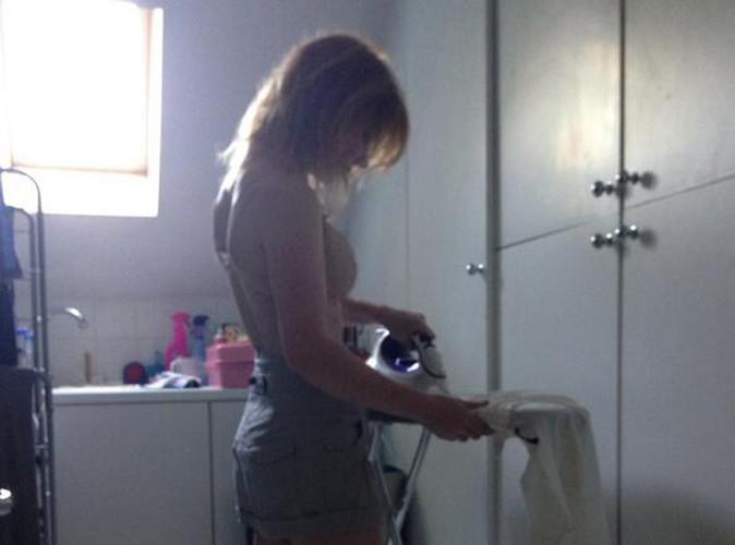 Geri Halliwell : elle préfère repasser en soutien-gorge avant de se faire lyncher !
