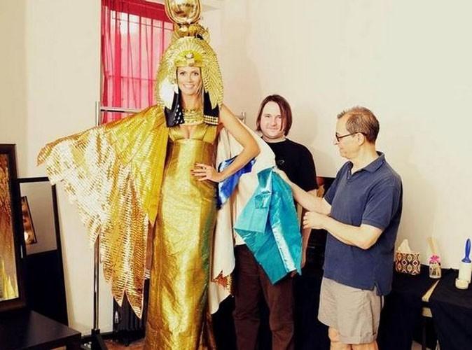 Heidi Klum : pour Halloween, elle nous refait le coup du costume délirant !