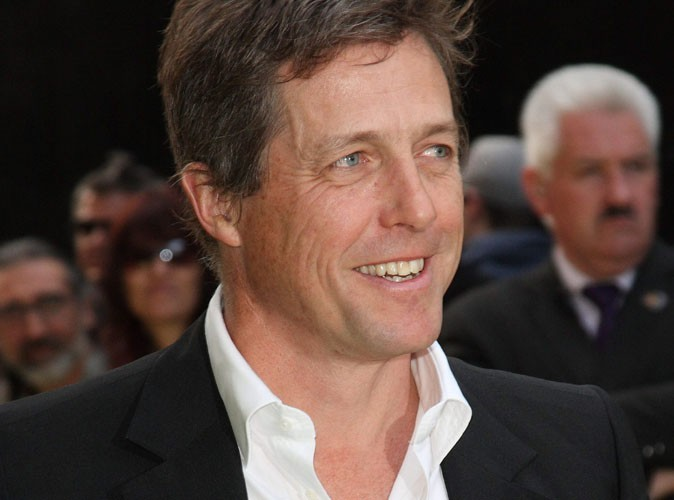 Hugh Grant a failli remplacer Charlie Sheen !