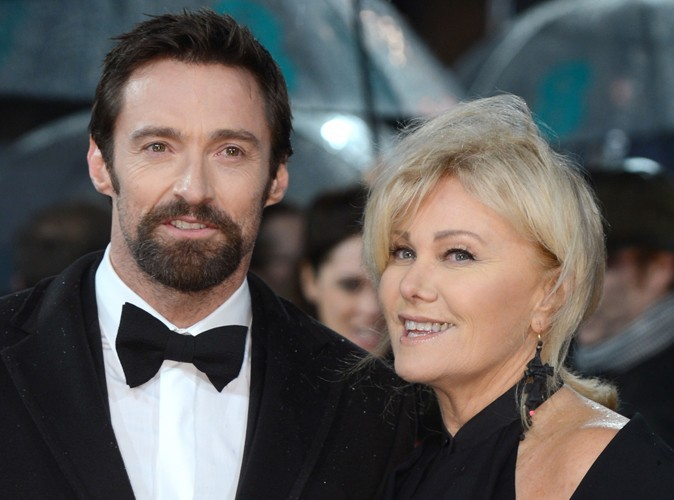 Hugh Jackman : sa femme en a marre qu'on le pense gay…