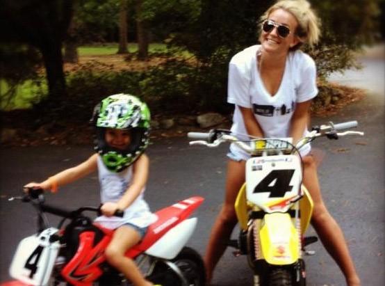 Jamie Lynn Spears : en mode biker avec sa fille !