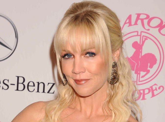 Jennie Garth : elle roucoulerait avec Jason Clark !