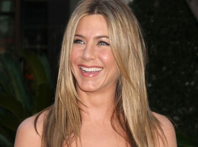 """Jennifer Aniston """"est très douée avec les enfants"""" !"""