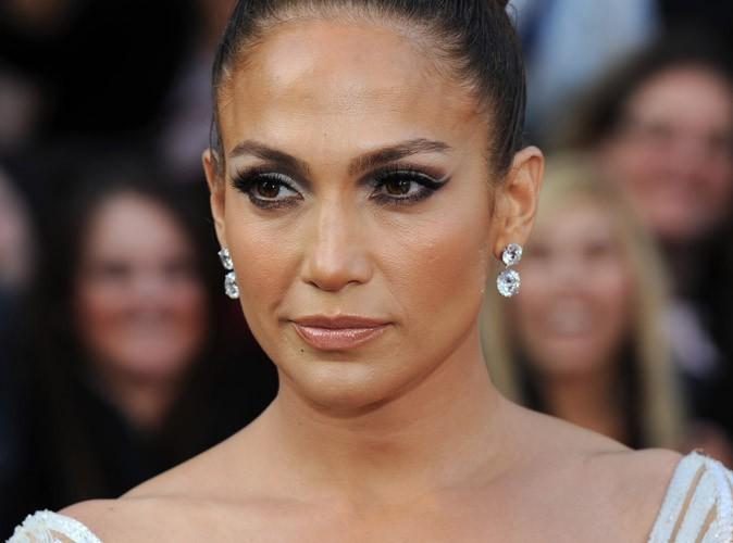 Jennifer Lopez : elle dément officiellement les rumeurs de mariage avec Casper Smart !