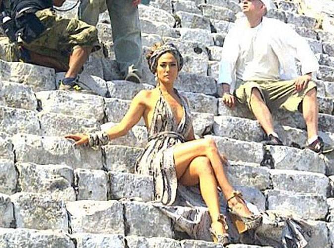 Jennifer Lopez en icône bombesque pour son prochain clip !