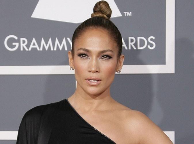 """Jennifer Lopez : """"Je ne supporte pas les hommes qui attendent que je les materne !"""""""