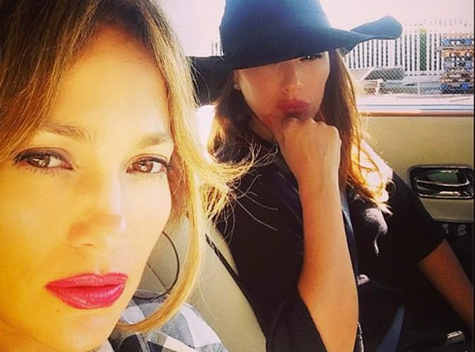 Jennifer Lopez : victime d'un accident de voiture, elle fait de la prévention !