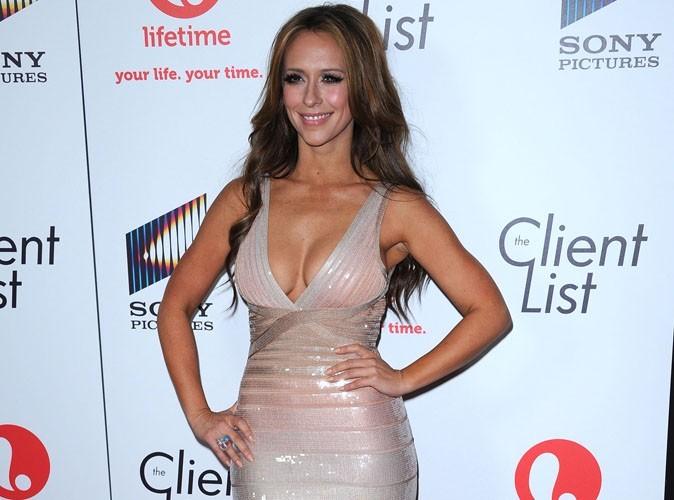Jennifer Love-Hewitt : elle aimerait assurer ses seins pour 5 millions de dollars !