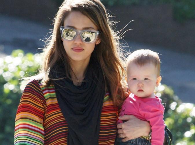 Jessica Alba : vous ne devinerez jamais pourquoi elle est tellement accro aux foulards !
