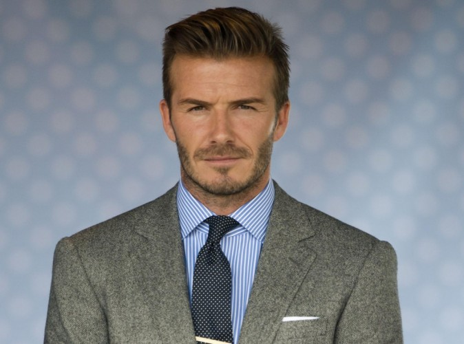 Jeux Olympiques de Londres : David Beckham : feux d'artifices, speedboat et sex-appeal débordant... La footballeur a lancé les festivités avec classe !