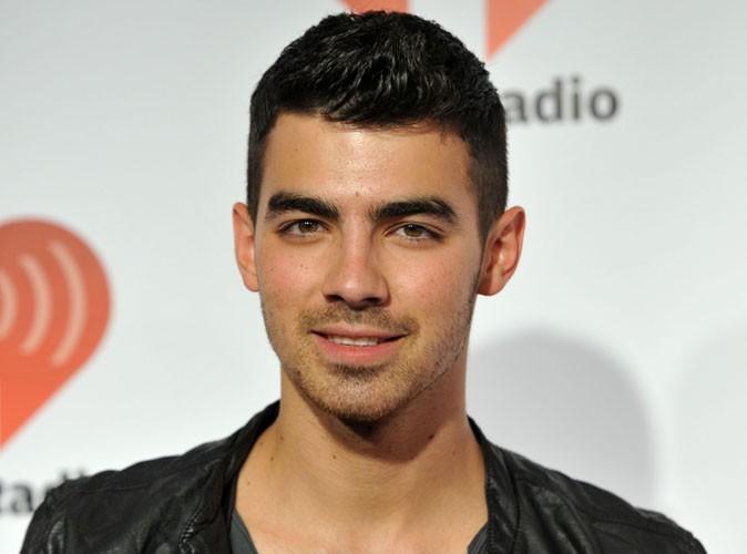 Joe Jonas : aux urgences pour des douleurs au ventre ...