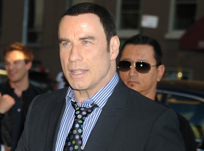 John Travolta : son ancien pilote privé affirme avoir été son amant pendant 6 ans…