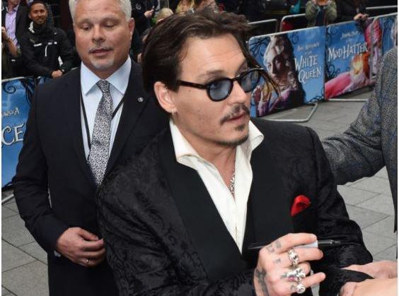 Johnny Depp devient libertin !