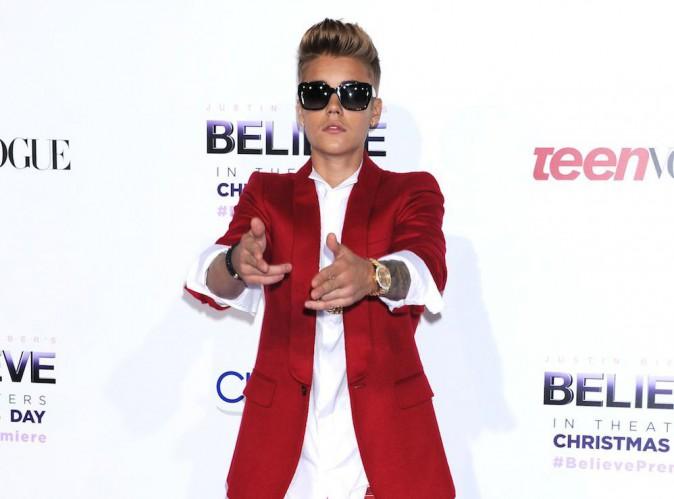 """Justin Bieber : élu personnalité """"la plus surexposée de 2014"""" !"""