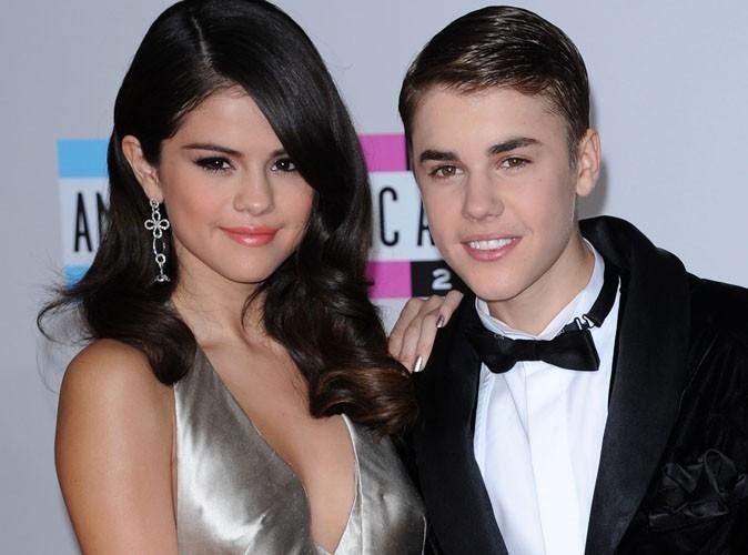 Justin Bieber et Selena Gomez : leur baiser chaud à Cabo !