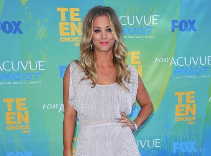 Kaley Cuoco de la série The Big Bang Theory s'est fiancée !