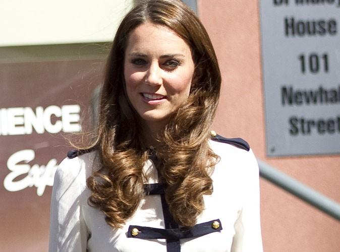 Kate Middleton : elle fait du shopping comme tout le monde et fait la queue pour payer !