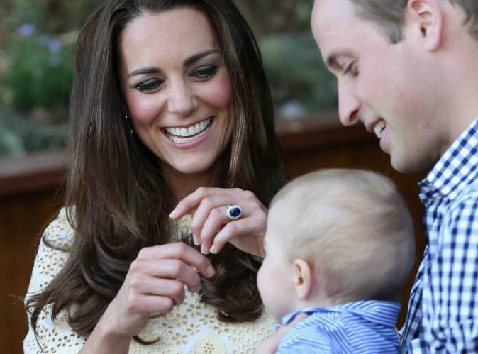 Kate Middleton et le Prince William : leur fils est déjà accro aux tablettes numériques !