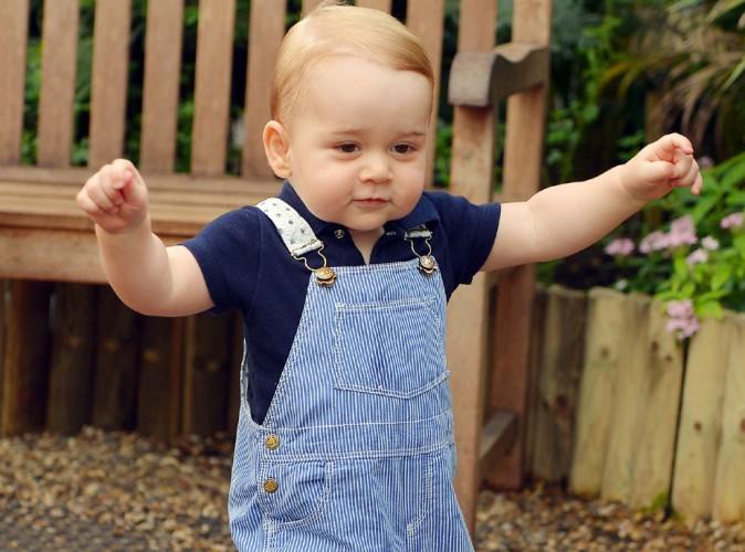 Kate Middleton et Prince William : ils dévoilent une nouvelle photo officielle du Prince George... Sur ses deux pieds !