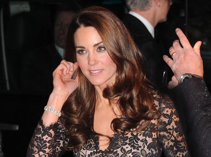 Kate Middleton : manteau en fourrure et sac à 1000 $