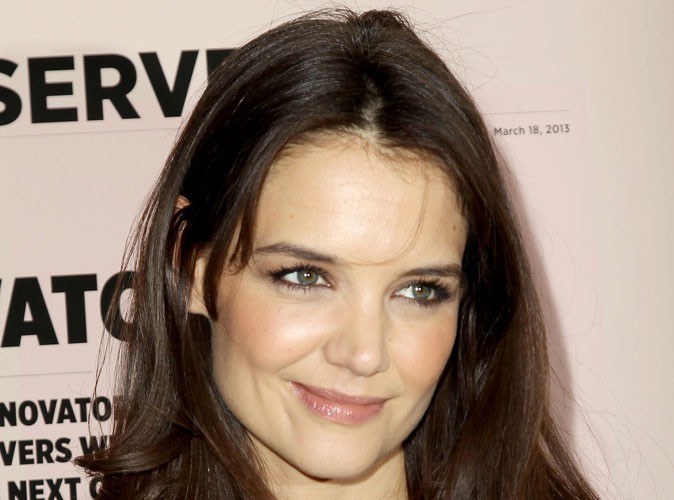 Katie Holmes : massacrée par la critique, elle s'accroche à Broadway…