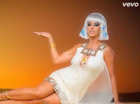 Katy Perry : la pétition a porté ses fruits, elle a modifié son clip !