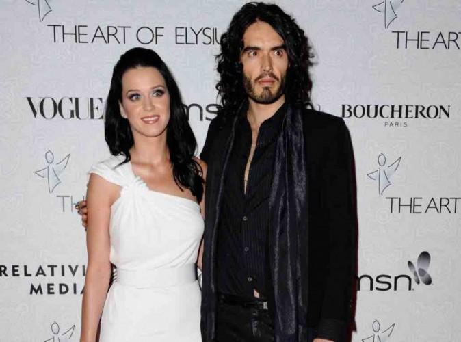 Katy Perry : Russell Brand ne lui a rien dit depuis le fameux texto du divorce !