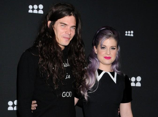 Kelly Osbourne : c'est désormais officiel, elle est bien fiancée à son amoureux Matthew Mosshart !