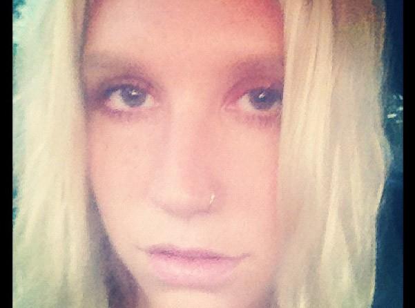 Kesha : la trash girl aime être naturelle parfois !