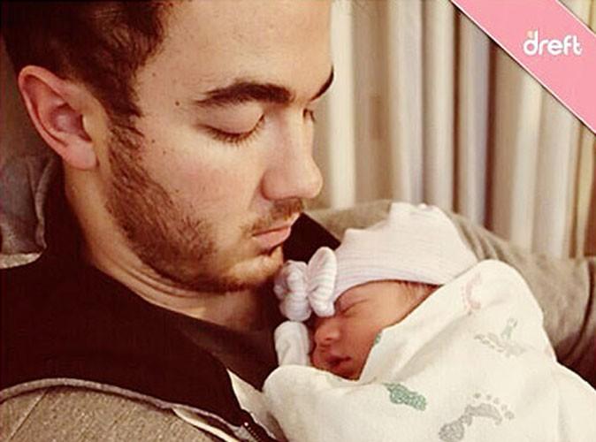 Kevin Jonas : découvrez-le en fier papa !