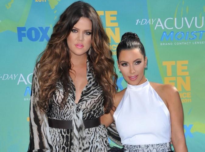 Khloe et Kim Kardashian : les deux célèbres soeurs seraient en passe d'adopter un enfant chacune...