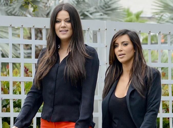 Kim et Khloe Kardashian : elles s'attaquent à leur ex belle-mère sur Twitter !