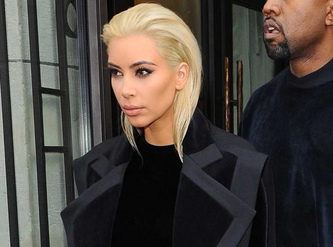 Kim Kardashian : à nouveau blonde, son clan adore !