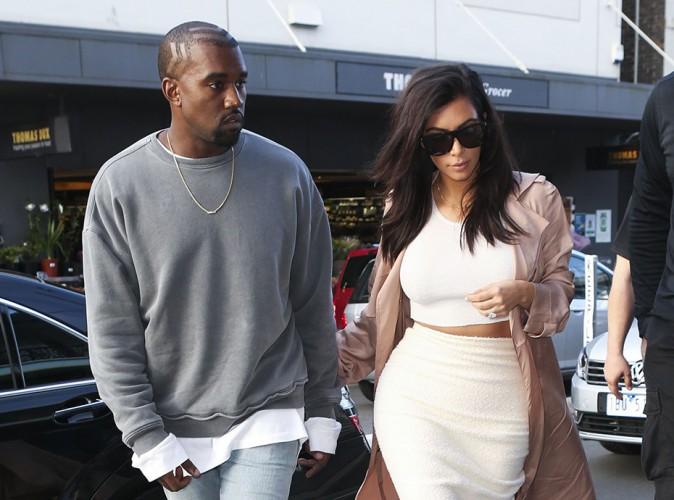 """Kim Kardashian : après la """"polémique du fauteuil roulant"""", elle défend Kanye West !"""