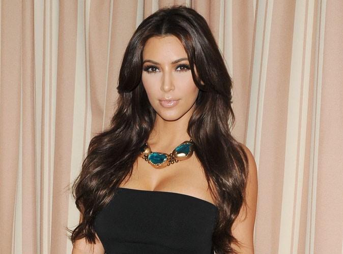Kim Kardashian : atteinte de psoriasis un mois avant la date supposée de son mariage !