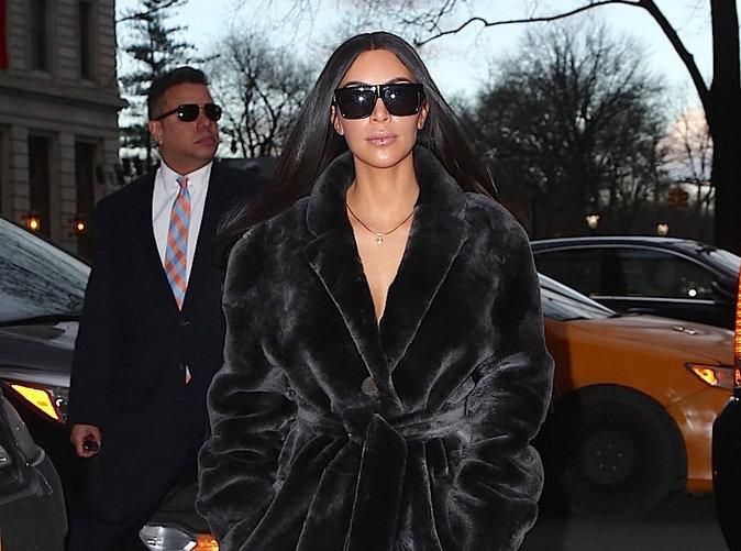 Kim Kardashian : Elle pète un plomb et insulte ses soeurs Khloe et Kourtney !
