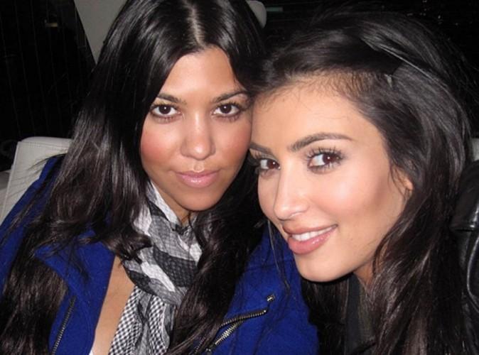 Kim Kardashian : elle sort les photos dossiers pour faire la promo de son livre !