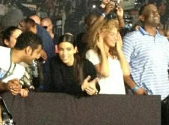 Kim Kardashian et Beyonce : les deux rivales ensemble au dernier concert du Watch The Throne Tour !