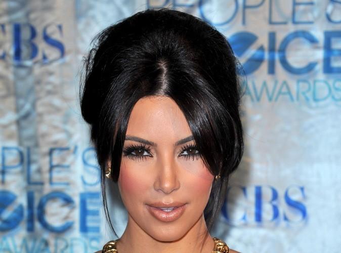 Kim Kardashian face au scandale des grossesses précoces !