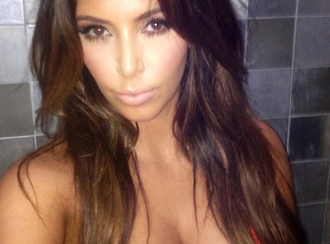Kim Kardashian s'offre un petit bain de minuit !