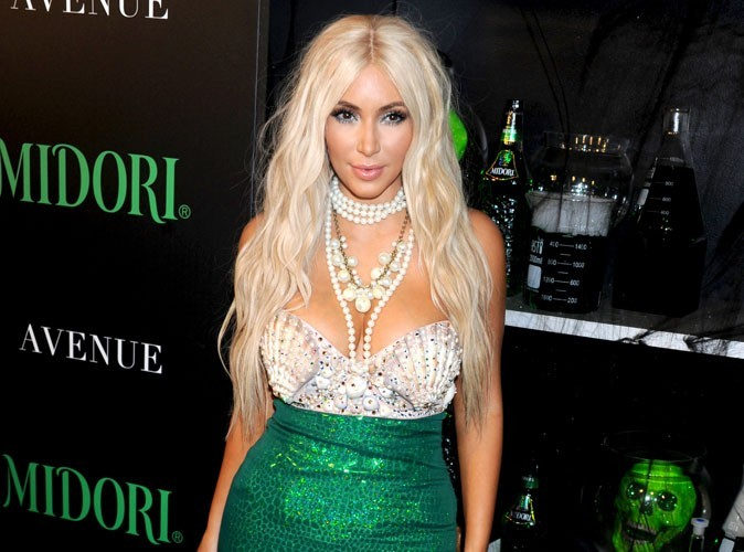 Kim Kardashian : sa perruque d'Halloween vaut une petite fortune…