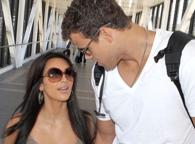 Kim Kardashian : son mari la couvre de baisers, regardez !