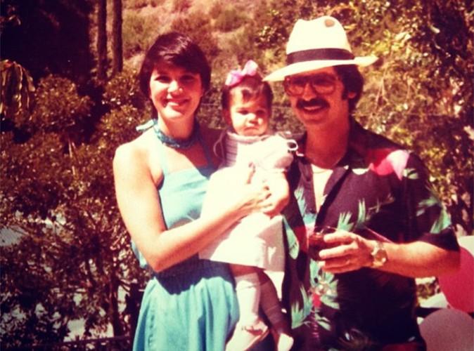 Kourtney Kardashian : découvrez-la bébé entourée de ses parents !