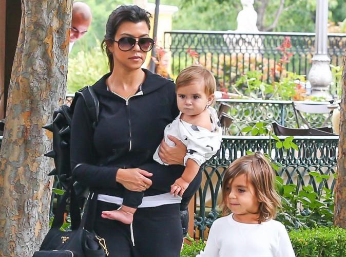 """Kourtney Kardashian : les rumeurs de paternité concernant un jeune mannequin avec le petit Mason tomberaient à l'eau car """"ils n'ont jamais fait l'amour!"""""""