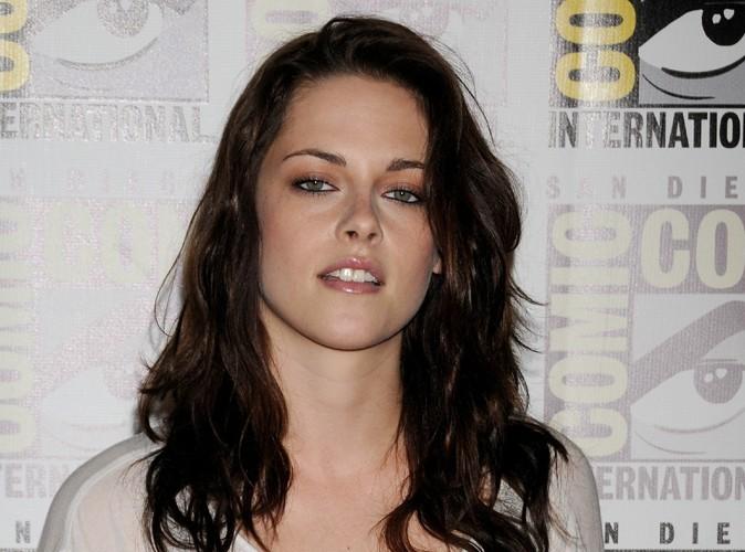 Kristen Stewart : elle fait tout pour ne pas oublier Robert Pattinson !