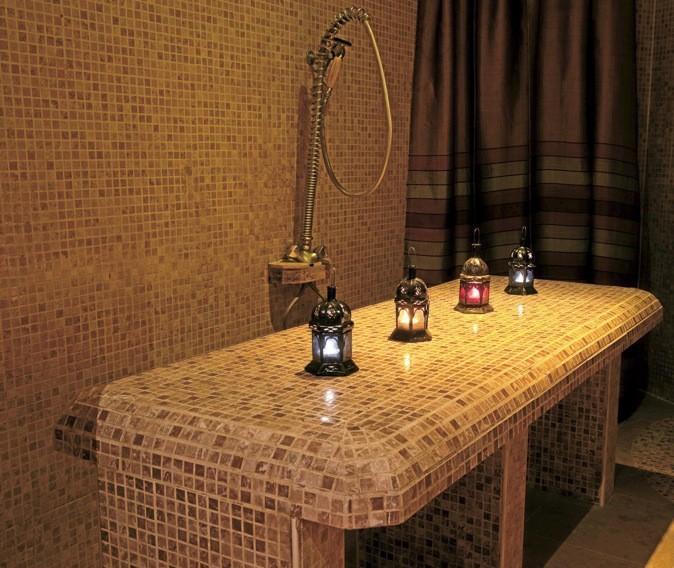 Prolongez-les dans ce lieu authentique. Charme d'Orient est un spa intime où tous nos sens sont comblés dès la porte franchie !