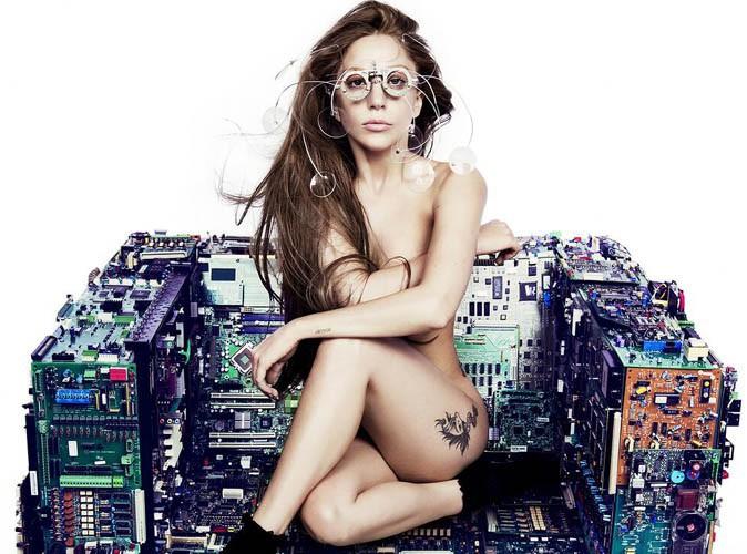 Lady Gaga : encore et toujours dans le plus simple appareil pour la promo d'ARTPOP !